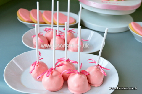 Pink cake pops by 4s cakes ,Bromley Greenwich based cake makers