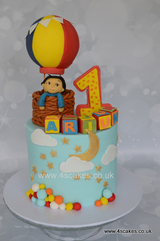 Hot air balloon theme cake